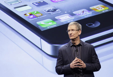 apple-ceo-tim-cook-iphone-5