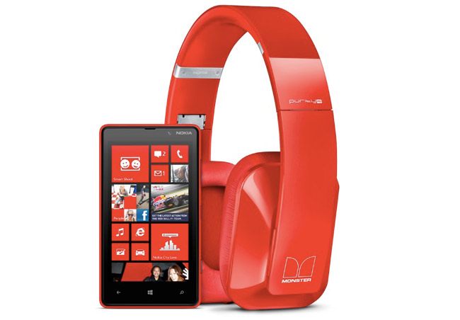 Nokia-Lumia-820-dolby-headphone