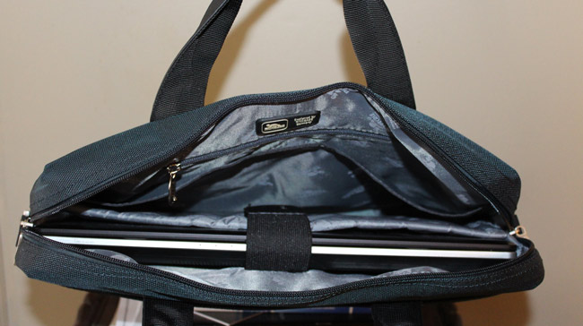 Rivacase-8130-Laptop-Bag-3