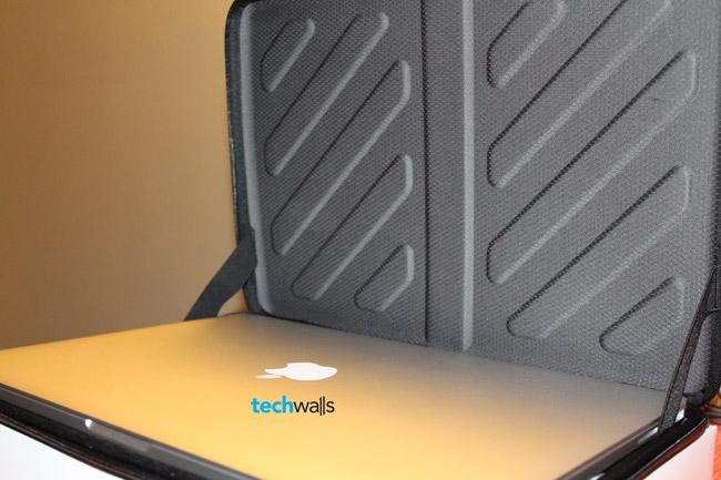 new product 7e82d 6d252 Thule Gauntlet MacBook Pro 15