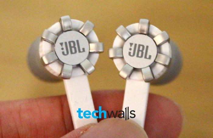 jbl-synchros-x200a-1