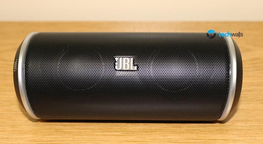 jbl-flip-speaker-1