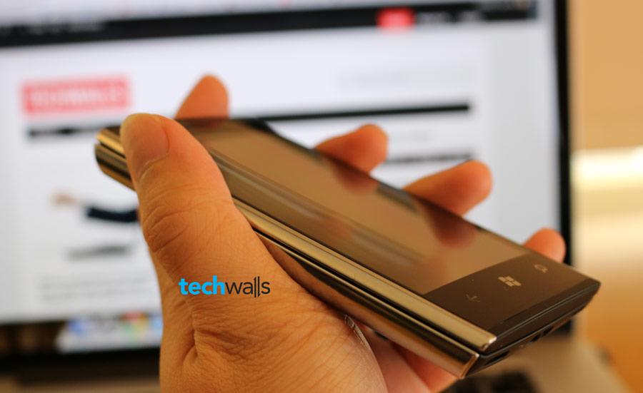 Dell-Venue-Pro-smartphone-2