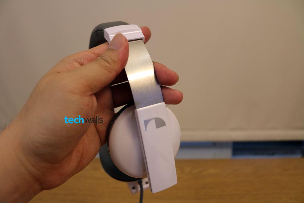 Nakamichi-NK2000-headphone-3