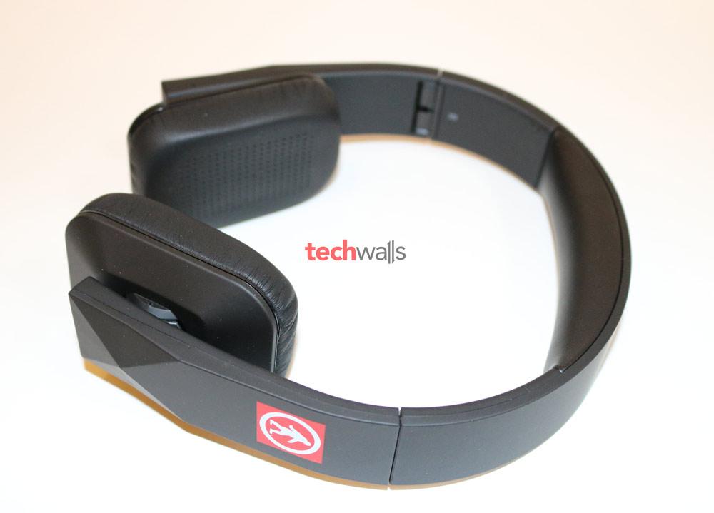 Outdoor-Tech-Tuis-headphone-3