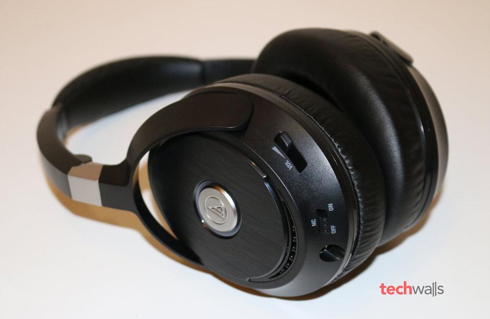 Audio-Technica-ATH-ANC70-2