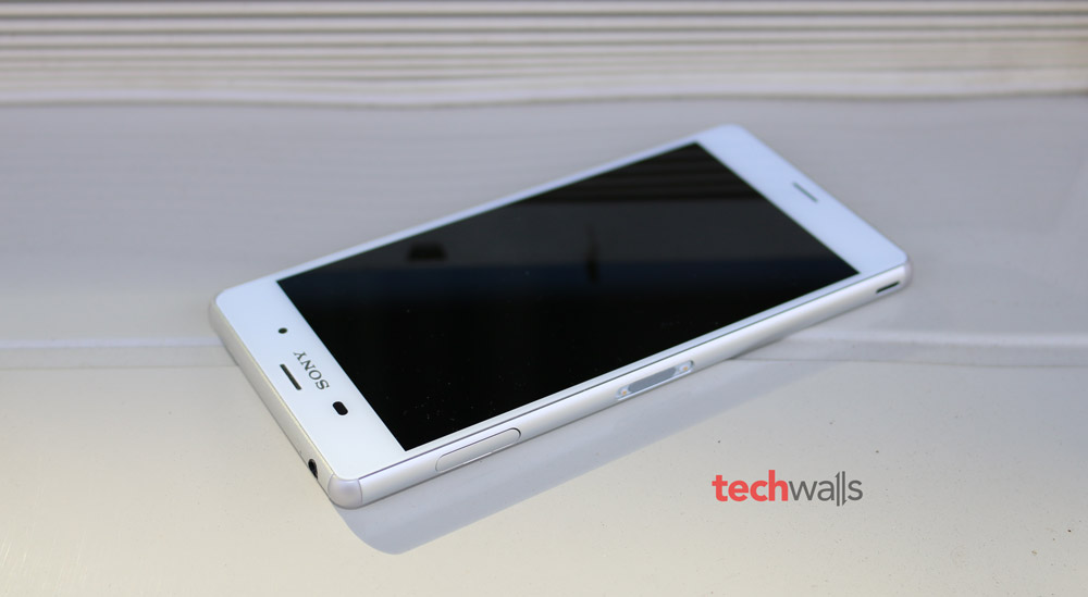 Xperia Z3 White The Xperia Z3 is available in