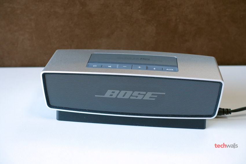 bose soundlink continuing to update firmware