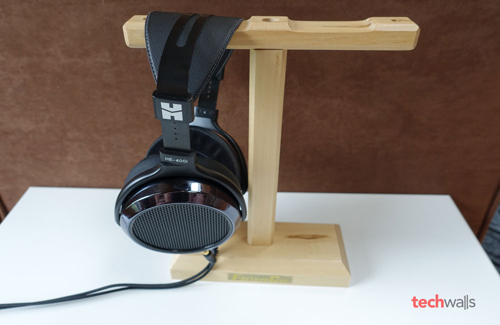 fortunecat-headphone-stand-2