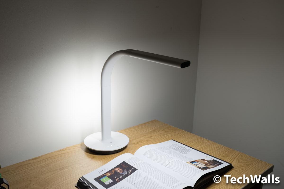 Xiaomi Philips Eyecare Smart Lamp 2 Review - When Xiaomi Partners ...